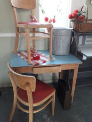 Lovely 60's table and two chairs. Great condition...£50