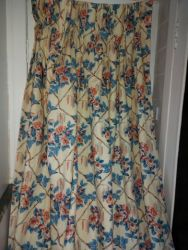 Heavy vintage Country curtains cotton chintz. Fully lined. Small marks at the very bottom edge, but, have been laundered SIZE 250cm drop by 90cm at the top of the triple pleat   £30