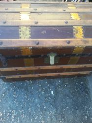 Good Banded Trunk - £45