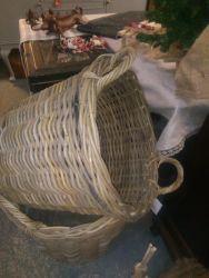 Large Baskets, Back In - £30,25