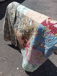 Lovely large double sided  quilt and 2 pillow shams 240 by 260 £35