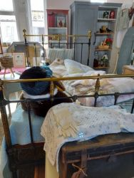 Lovely Victorian Brass and black iron 3/4 bed with new base £145 SOLD