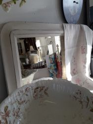 Lovely vintage overmantle in white  £20