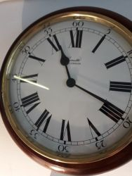 Nice vintage wall clock, battery operated £20