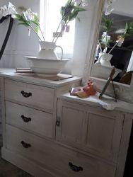 Lovely, vintage storage cupboard/drawer unit £80   SOLD